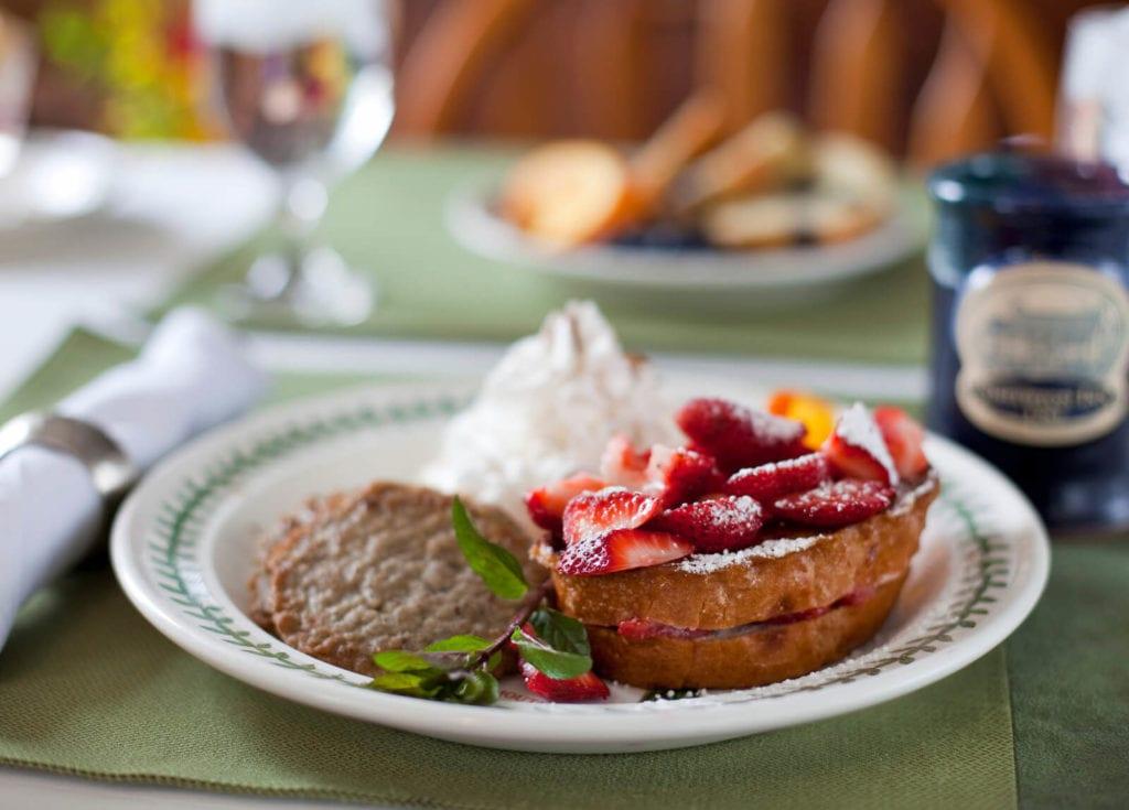Breakfast at Historic Smithton Inn